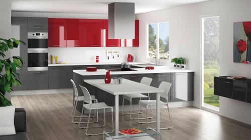 Une cuisine rouge carmin par Distac - Cuisiniste Simon Mage