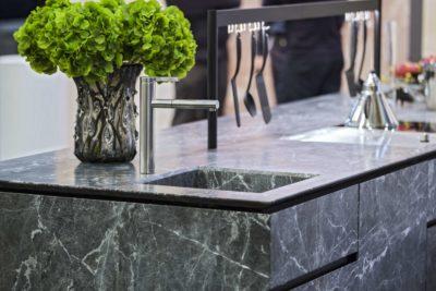 Le marbre, l'élégance pour une cuisine moderne